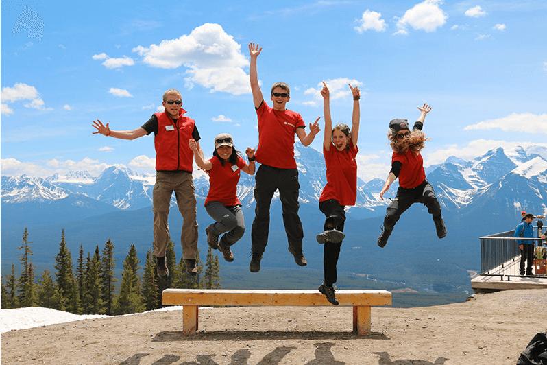 Groupe de volontaires au Canada
