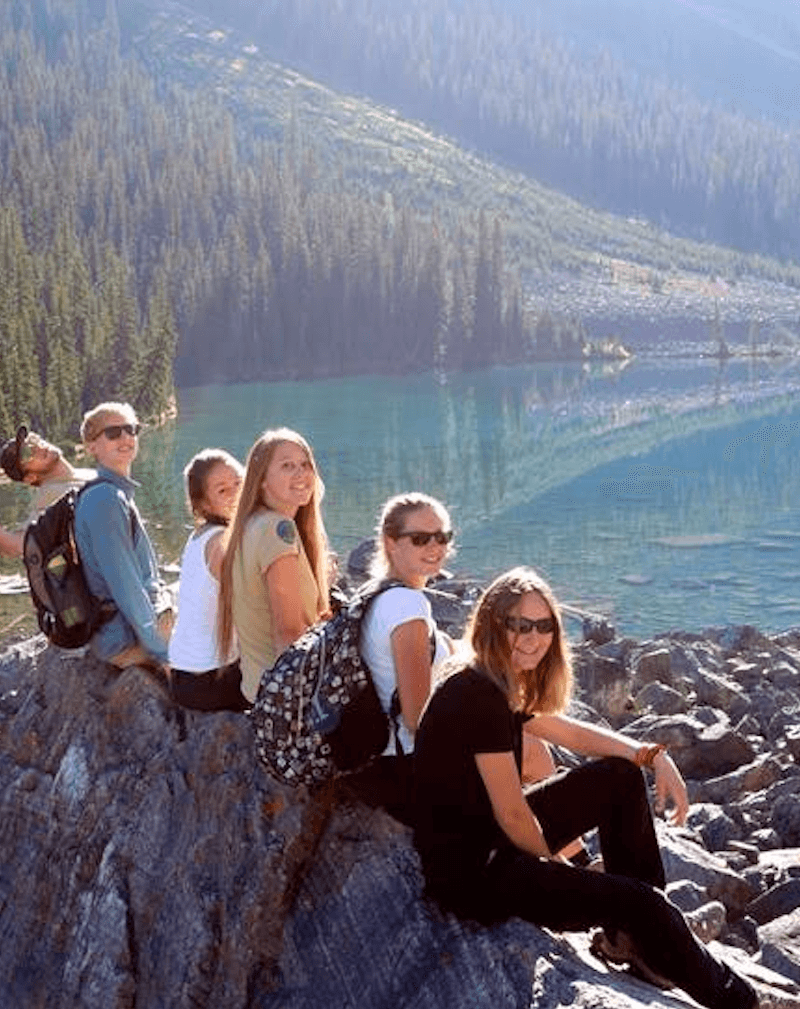 L'équipe de volontaires au Canada